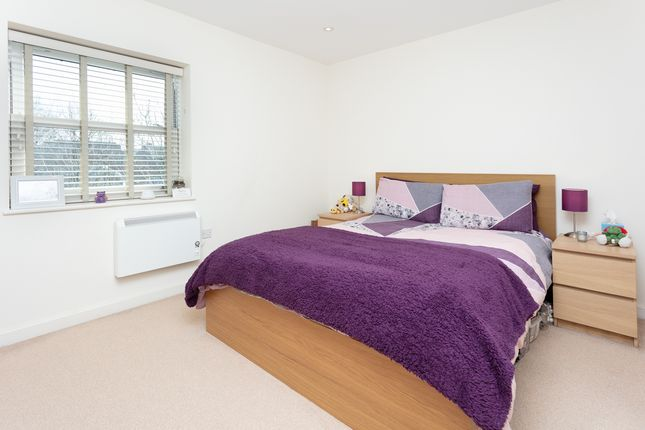 Thumbnail Flat for sale in High Street, Snodland