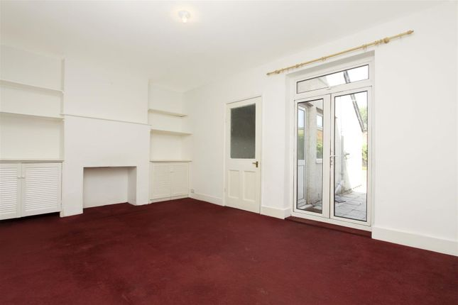 Reception 2 of Horton Road, West Drayton UB7