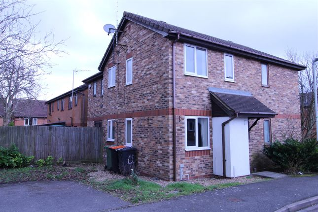 Thumbnail Terraced house for sale in Furze Close, Luton