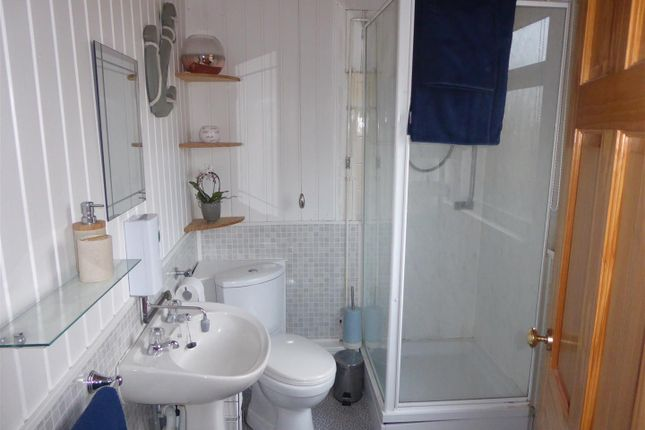 Bathroom of 317A Main Road, Humberston, Grimsby DN36