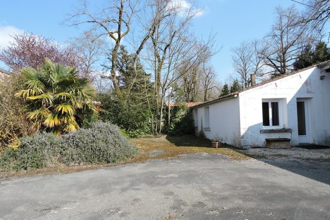 Thumbnail Barn conversion for sale in Surgeres, Charente-Maritime, Nouvelle-Aquitaine