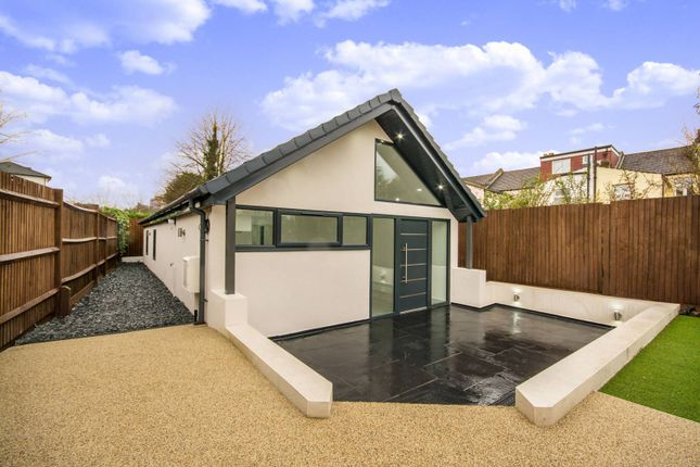 Thumbnail Bungalow to rent in Morland Road, Croydon