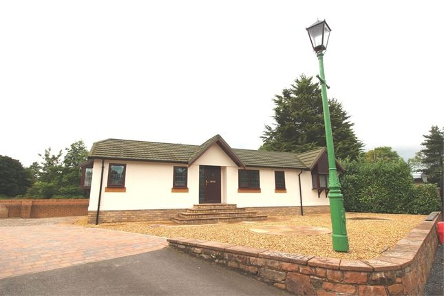 3 bed mobile/park home for sale in Weirside, Southwaite Green Mill, Eamont Bridge, Penrith, Cumbria