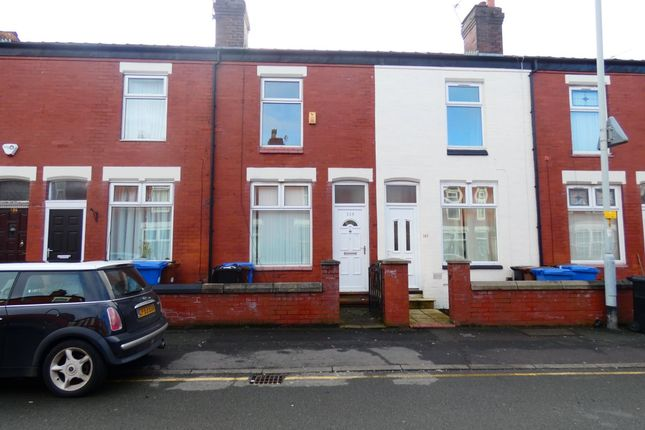 2 bed terraced house to rent in Lowfield Road, Stockport