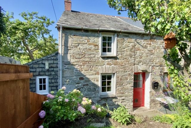 Thumbnail Semi-detached house for sale in Guineaport Road, Wadebridge
