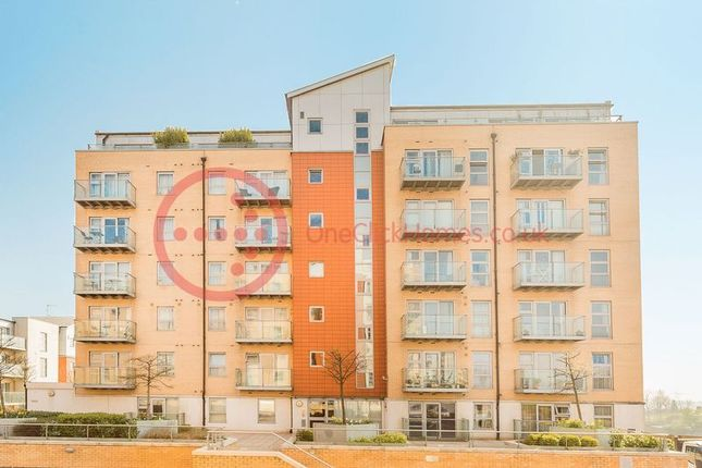 Thumbnail Flat for sale in Queen Mary Avenue, South Woodford
