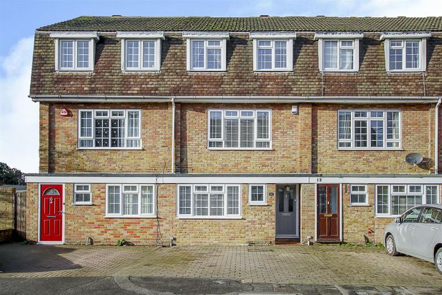 Thumbnail Property for sale in Wingway, Brentwood