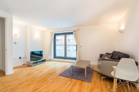 1 bed flat to rent in Fairmont Avenue, London E14