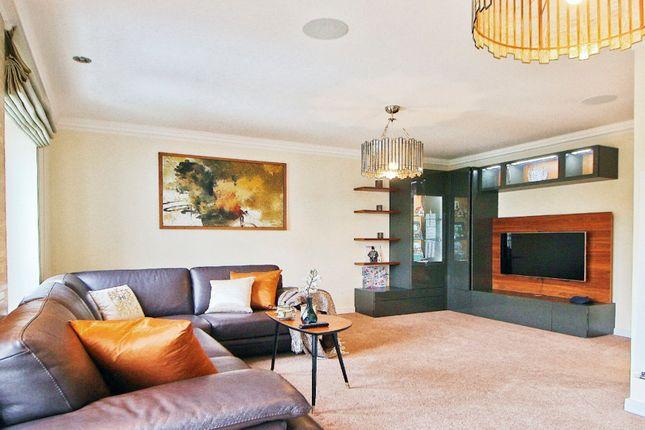 Thumbnail Town house to rent in The Crescent, Dunton Green, Sevenoaks