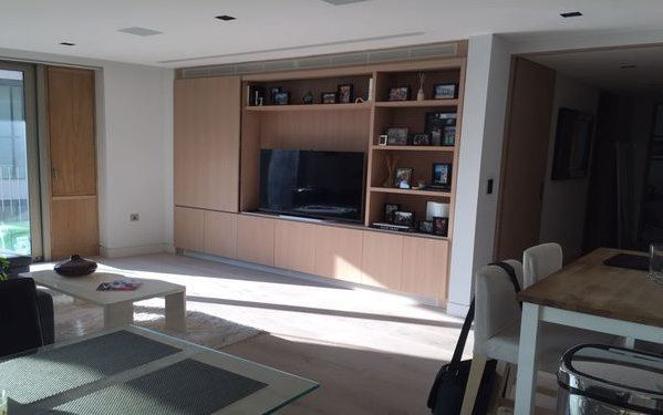 Thumbnail Property to rent in Tower Bridge Road, London