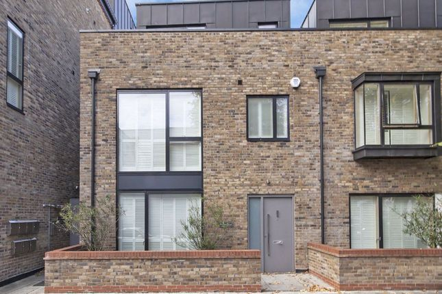Thumbnail Property to rent in Upham Park Road, London