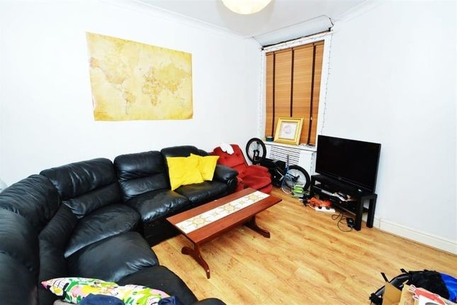 4 bed terraced house to rent in Standish Road, Fallowfield, Manchester M14