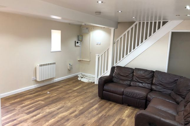 2 bed detached house to rent in Oxford Street, Cardiff CF24