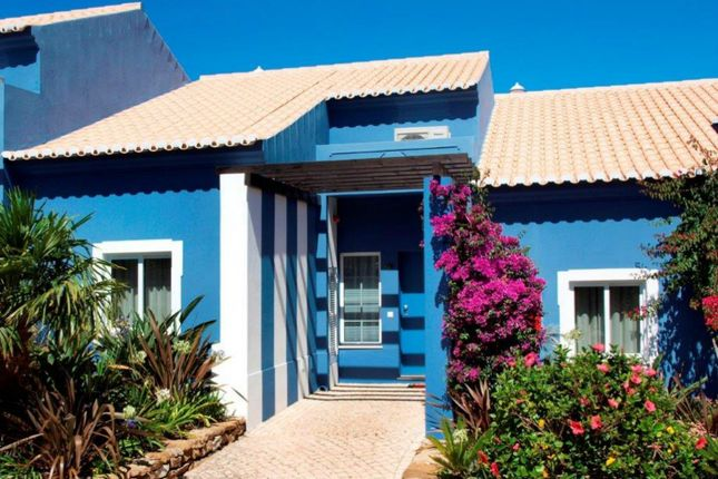 Thumbnail Hotel/guest house for sale in Ferrel, Luz, Lagos