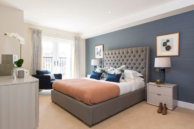 Thumbnail 4 bed semi-detached house for sale in 29 Albertine Grove, Bromley