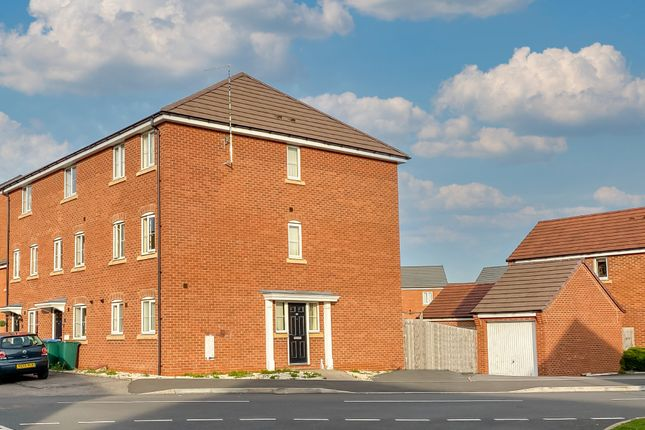 4 bed end terrace house for sale in Anglian Way, Stoke, Coventry CV3