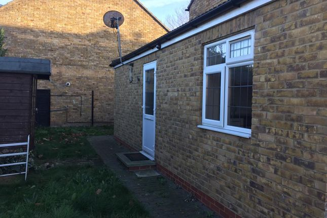 Studio for sale in Bysouth Close, Ilford IG5