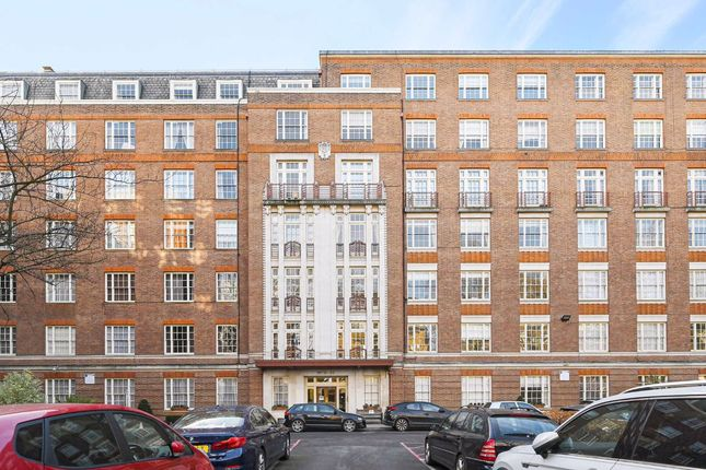 Thumbnail Flat for sale in Eyre Court, London