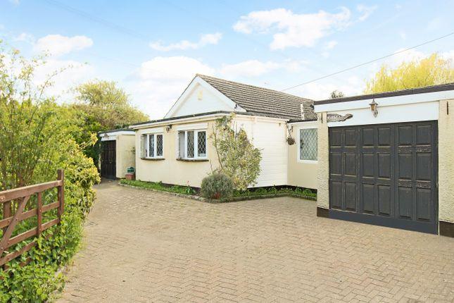 4 bed detached bungalow for sale in Dobbs Weir Road, Hoddesdon, Hertfordshire. EN11