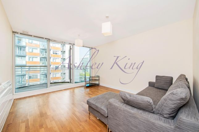 Thumbnail Flat for sale in Switch House, Blackwall Way, London
