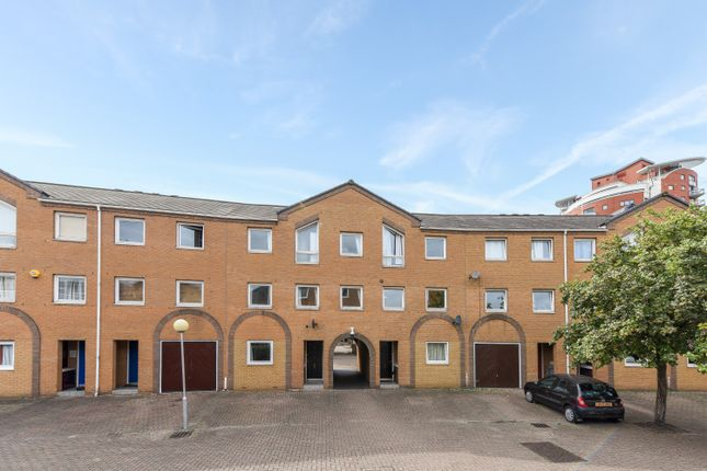 Thumbnail Semi-detached house to rent in Cyclops Mews, Docklands, Canary Wharf