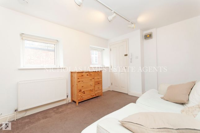 Thumbnail Flat to rent in High Street, High Barnet