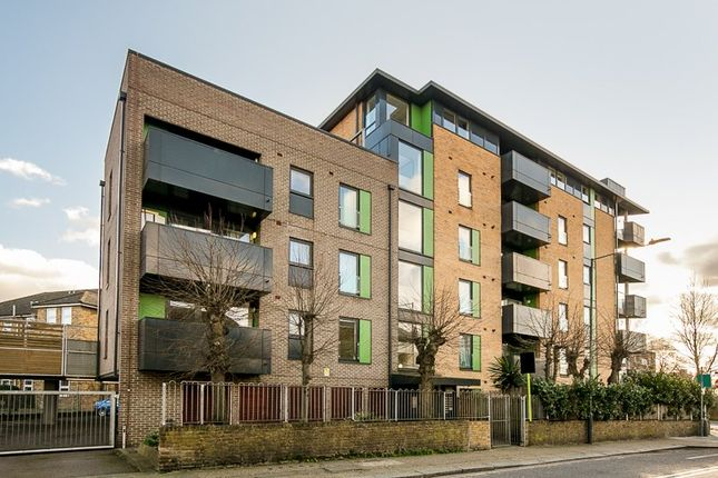 Flat for sale in Thornberry Court, Craven Park, London
