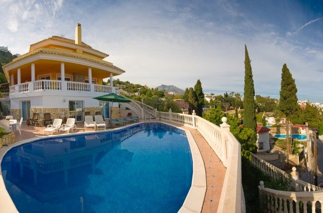 8 bed villa for sale in Spain, Málaga, Benalmádena, Benalmádena Pueblo