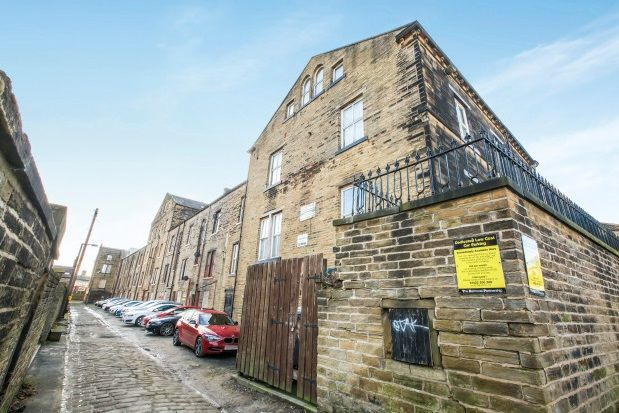 Property to rent in Balmoral Place, Halifax