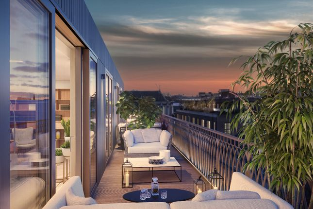 Thumbnail Flat for sale in Moxon Street, London