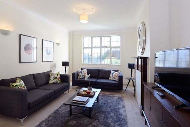 Living Area of Park Road, London NW8