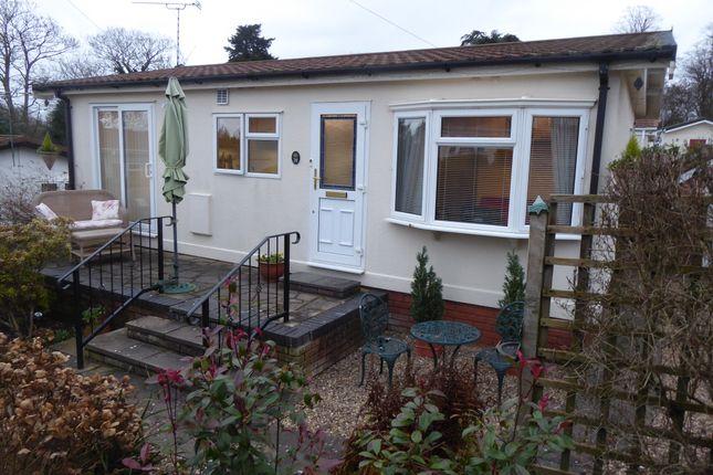 2 bed mobile/park home for sale in Meriden Hall Park, Main Road, Meriden, Coventry, Warwickshire CV7