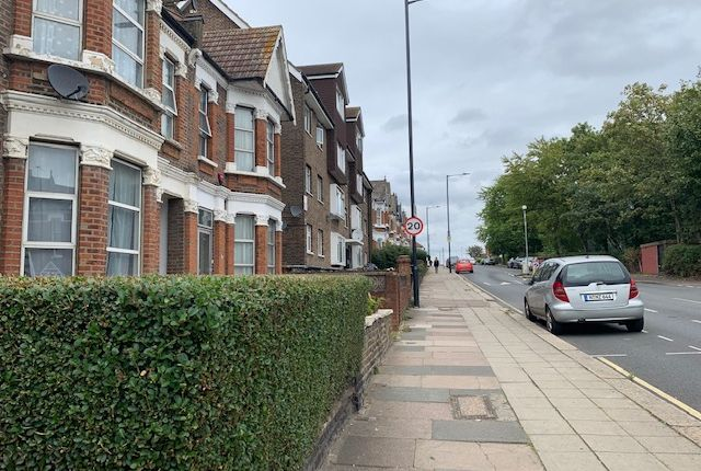6 bed shared accommodation to rent in All Souls Avenue, Kensal Green NW10