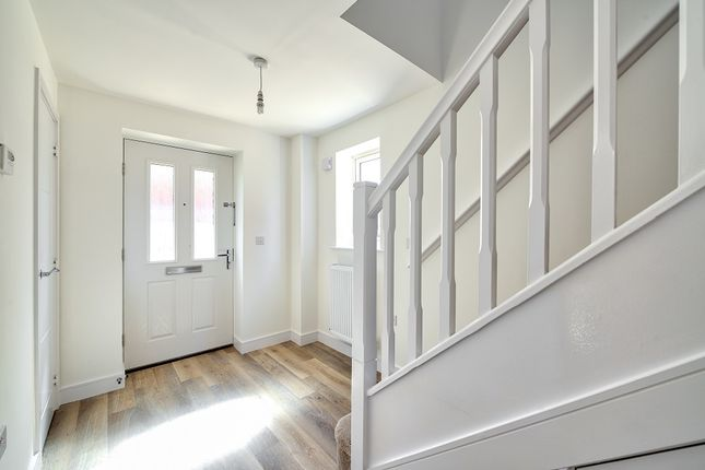 4 bedroom semi-detached house for sale in Off Matthewsgreen Road, Wokingham