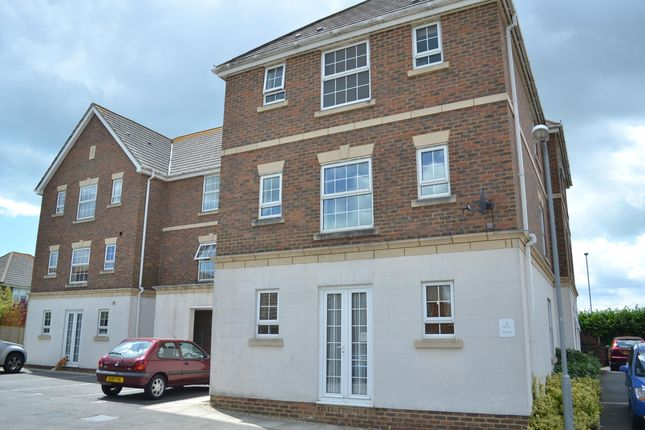 1 bedroom flat to rent in Poplar Close, Bexhill-On-Sea, East Sussex