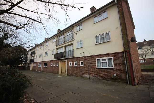 2 bed flat to rent in Felmongers, Harlow