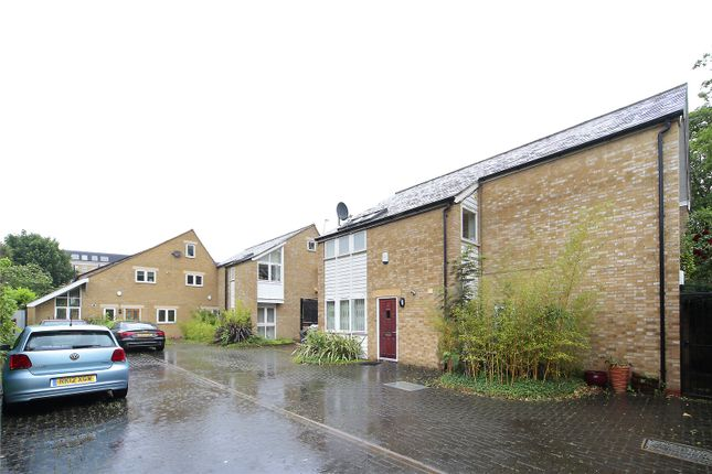 Picture No. 09 of Dryden Close, Clapham, London SW4
