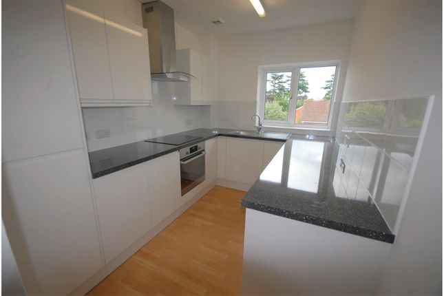 Thumbnail Flat for sale in Bexley Court, Reading