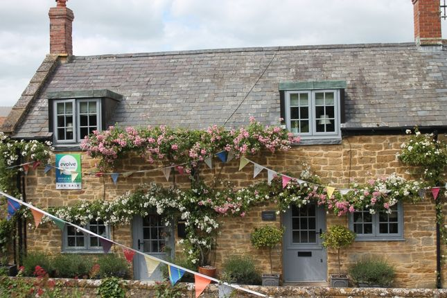 Thumbnail Terraced house for sale in Middle Street, Montacute