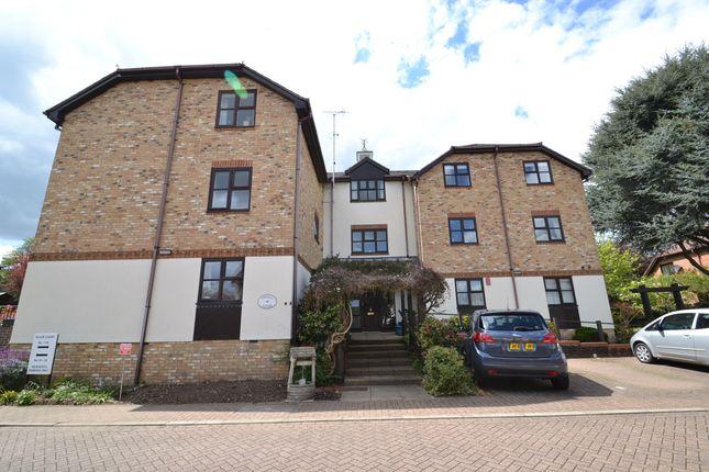 2 bed flat for sale in Slade Court, Watling Street, Radlett WD7