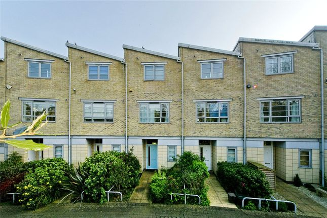 Thumbnail Terraced house for sale in Heaven Tree Close, Canonbury