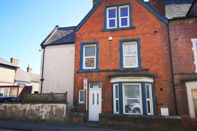 Room to rent in Castle Road, Scarborough YO11