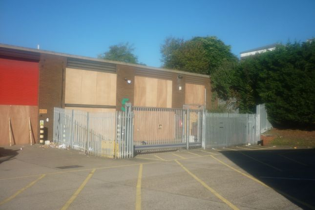 Thumbnail Light industrial to let in Highway Trading Estate, London