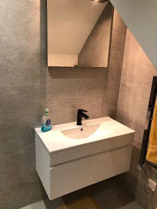 Bathroom of Tib Street, Manchester M4