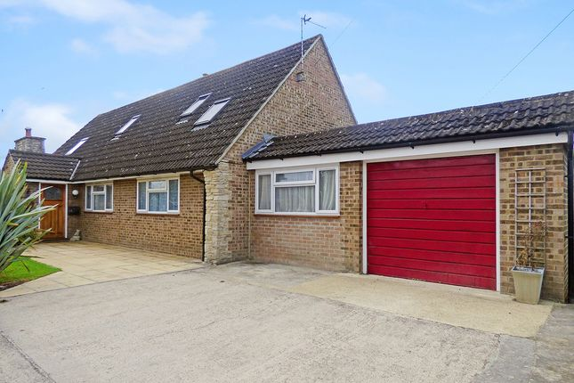 Thumbnail Property for sale in Field Close, Westbury