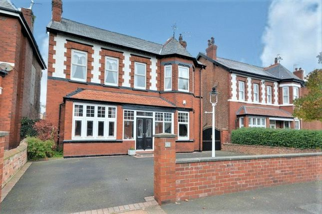 Detached House For Sale In Carlisle Road Birkdale Southport