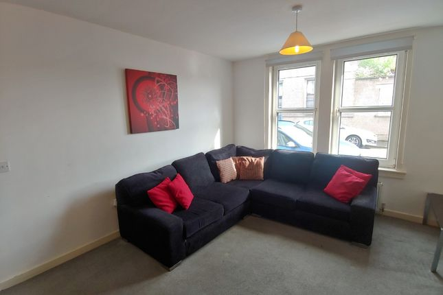 3 bed flat to rent in Colquhoun Street, Stirling Town, Stirling FK7