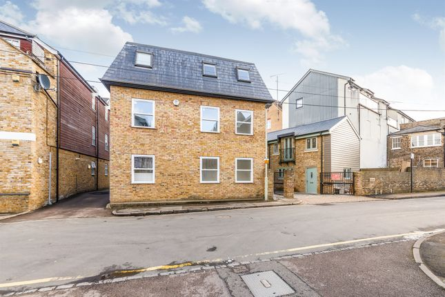 Thumbnail Flat for sale in Priory Street, Hertford