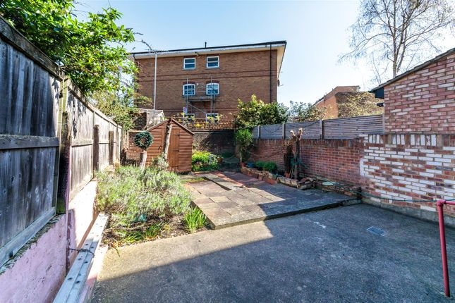 4R3A9300 of Rectory Gardens, Hornsey N8