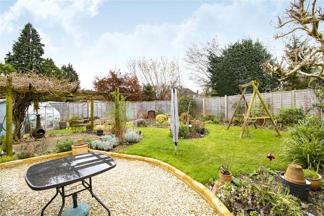 Picture No. 12 of Raglan Gardens, Caversham, Reading, Berkshire RG4